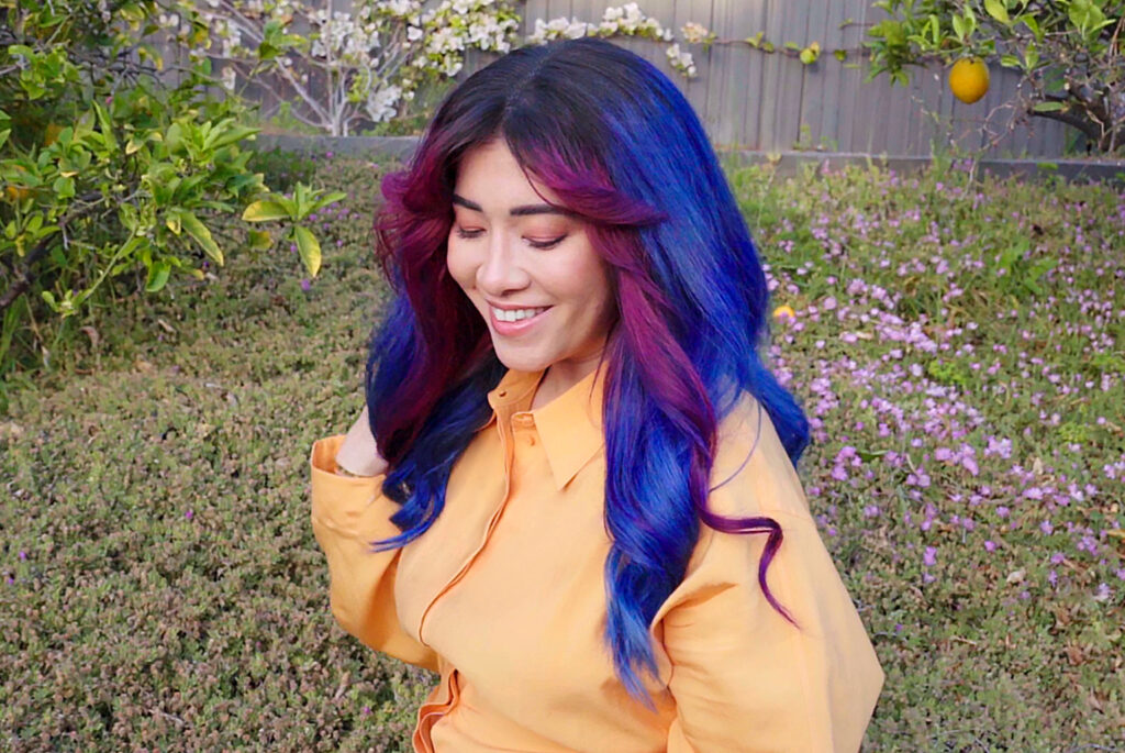 AURA's Rocket Popsicle Money Piece temporary hair color using their pigmented Masque. Go to AURAHAIRCARE.COM